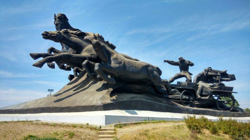 Памятник Конной армии.